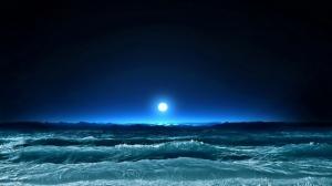 lluna sobre el mar