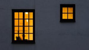 lighted_windows_at_night